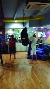Além de ajudar no emagrecimento, o Muay Thai fortalece todos os músculos do corpo
