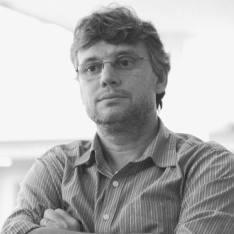 Altayr Derossi- Professor de fotografia