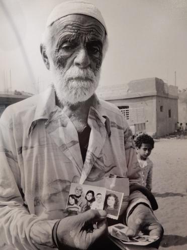 Esse homem perdeu toda a sua família no massacra em Beirute