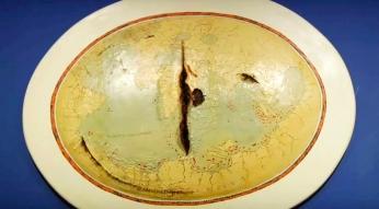 Mapa de Lopo Homem II, por Adriana Varejão