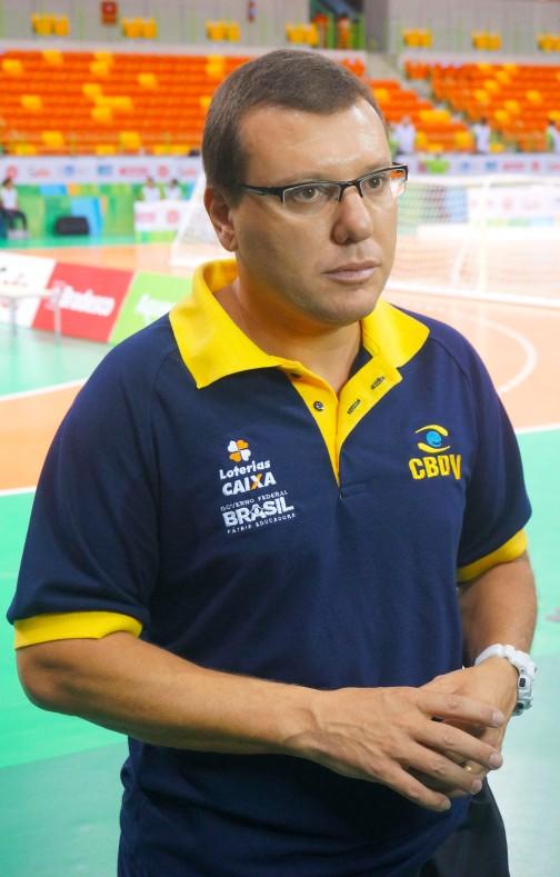 Treinador Alessandro Tosim [foto: Iago Moreira/Agência UVA]