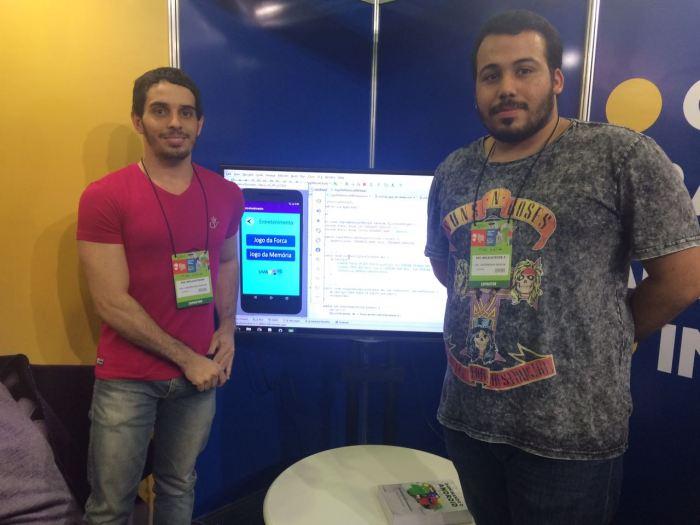 Bian e Leonardo não desistiram do projeto apesar da complexidade do desenvolvimento de aplicativos