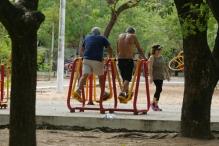 Equipamentos ao ar livre são usados para o exercício físico. Foto: Zahyr Neto / AgênciaUVA
