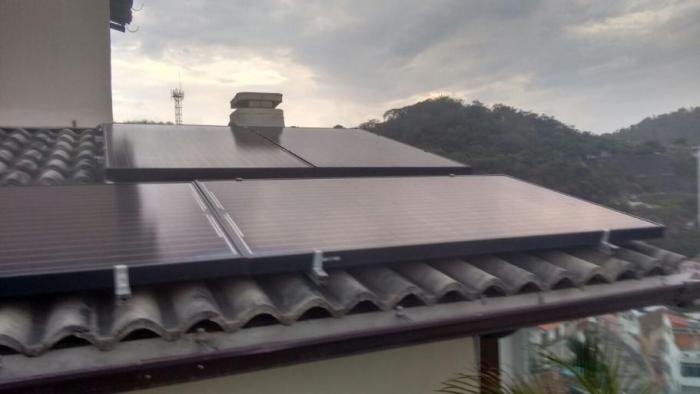 Instalação solar residencial na zona sul do Rio de Janeiro.Foto cedida por Tatiana Matos
