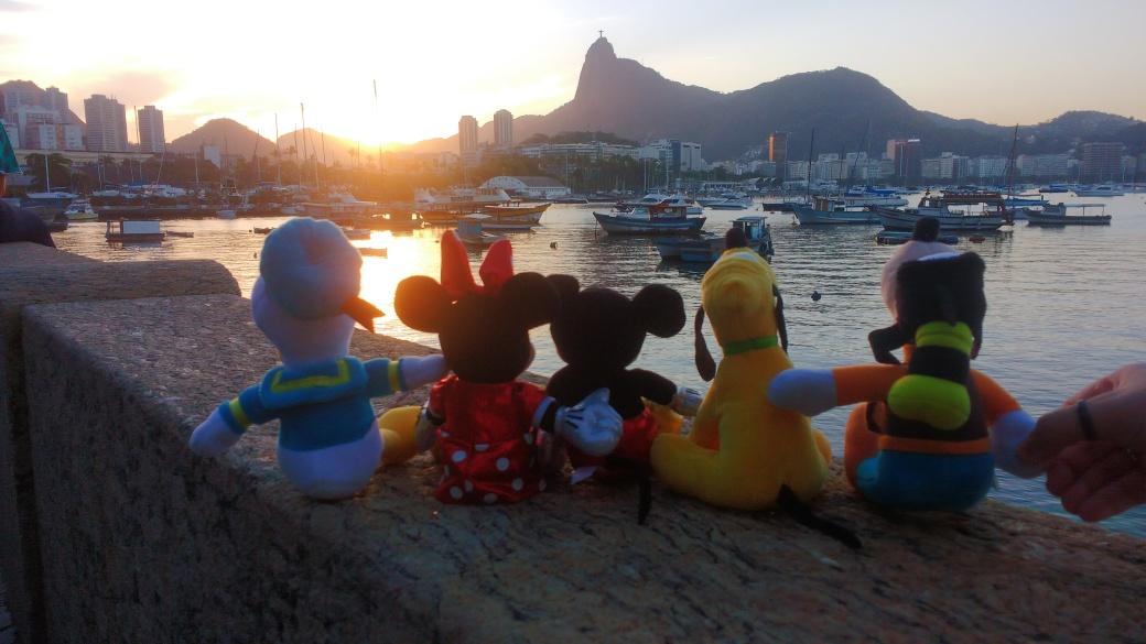 Personagens como Pato Donald, Minnie, Mickey, Pluto e Pateta compõem a própria realidade de magia e encantamento. Foto: Yasmin Thomaz