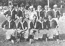 Um dos primeiros registros do time de futebol do Vasco com jogadores negros. Foto: Acervo do Vasco