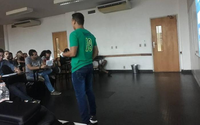 Brendow Christian durante palestra. Foto: Divulgação