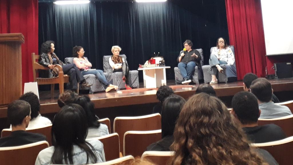 As quatro palestrantes no último dia da SECOM. Foto: Kim Oliveira / AgênciaUVA