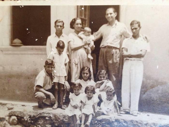 Carlos Danielli com seus pais e irmãos. Foto: Divulgação