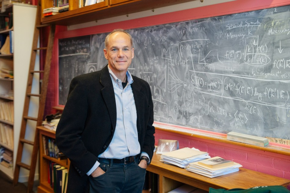 Físico brasileiro Marcelo Gleiser vence Prêmio Templeton 2019