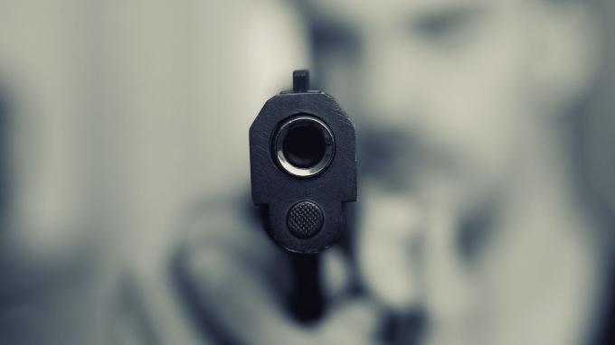 pistol-3421795_1920.jpg