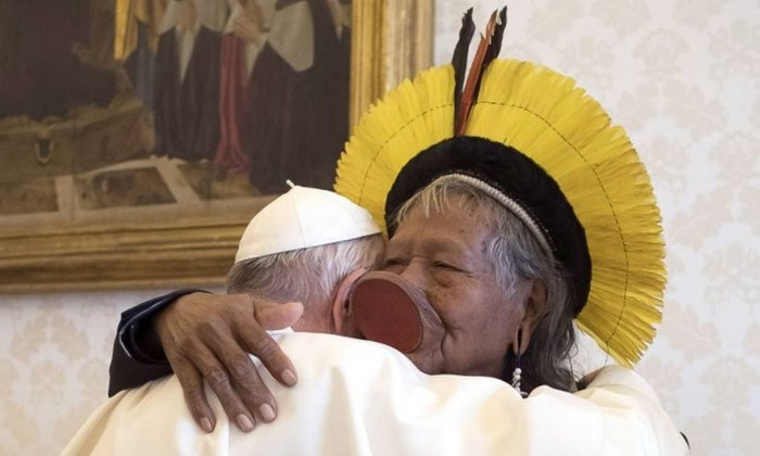 x82884712_This-handout-photo-taken-on-May-27-2019-and-released-by-the-Vatican-Media-shows-Pope-Fr.jpg.pagespeed.ic.6Iln0T_kwk